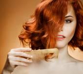 Frisados rebeldes: penteados que não os deixam arrebitar cabelo