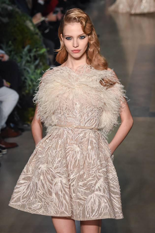 Visto nas Fashion Weeks: os cabelos vincados do desfile Elie Saab